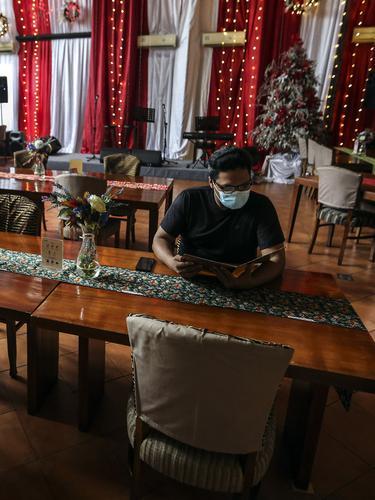 FOTO: 1.600 Bisnis Restoran Terancam Tutup Jika PPKM Terus Berlaku
