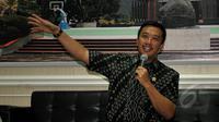 Menteri Pemuda dan Olahraga (Menpora) Imam Nahrawi saat konferensi pers terkait pembentukan tim transisi PSSI, Jakarta, Jumat (8/5/2015). Menpora mengumumkan sejumlah nama yang menjadi Tim Transisi. (Liputan6.com/Yoppy Renato)
