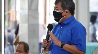 Bupati garut Rudy Gunawan menyatakan, untuk menekan penyebaran Covid-19 selama PPKM level 4, Satgas Covid-19 Garut, bakal melakukan vaksinasi acak di pusat keramaian.