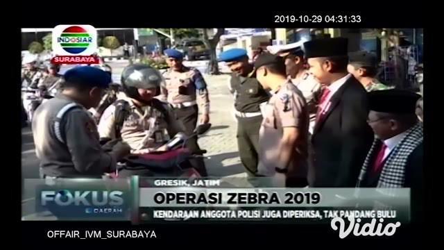 Polres Gresik bersama tim gabungan menggelar apel gelar pasukan Operasi Zebra Semeru 2019, di halaman Kantor Satlantas Polres Gresik, Jl Randuagung Kecamatan Kebomas Gresik.