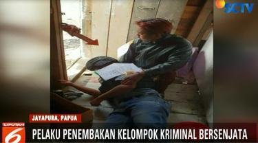Sugeng Efendi merupakan warga sipil dan bekerja sebagai penjaga kios di Kampung Wuyukwi, Distrik Mulia, Kabupaten Puncak Jaya.