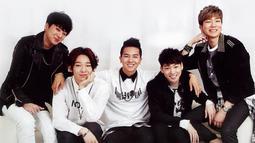 Winner TV merupakan program yang menampilkan perjalanan karier para personel Winner. Program ini tayang setelah Winner jadi pemenang di acara Survival Show, Who is Next: Win. (Foto: Soompi.com)
