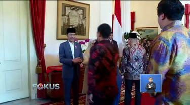 Presiden Jokowi dan Wapres Jusuf Kalla gelar open house untuk pejabat dan masyarakat di Istana Negara, Jakarta.