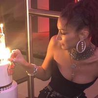 Rayakan ulang tahun ke 22, Bella Hadid dan Gigi Hadid adu seksi (instagram/llxoyal)