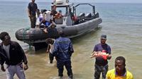 Tiga orang bayi ditemukan tewas di perairan Libya, sementara 100 orang lainnya masih belum ditemukan (AFP)