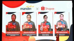Bank Mandiri menggandeng platform Shopee Indonesia, serta Visa,  menghadirkan Mandiri Kartu Kredit Shopee guna membantu pemulihan ekonomi nasional di masa pandemi. Transaksi Mandiri kartu kredit yang saat ini telah diterbitkan sebanyak 1,8 juta kartu. (Liputan6.com/Pool/PR)