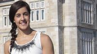 Carolina Marin berpose di depan Istana Magdalena, kota Santander Spanyol. (EPA/Esteban Cobo)