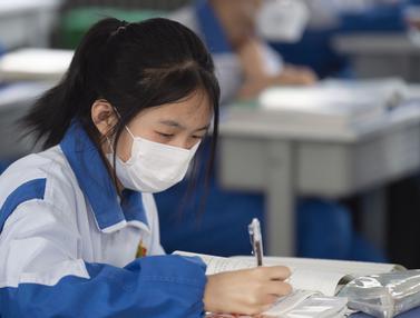 FOTO: COVID-19 Mereda, Pelajar di Yinchuan China Kembali Bersekolah
