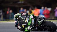 Pembalap Yamaha Tech 3, Johann Zarco resmi menjadi Rookie of the Year MotoGP 2017. (PAUL CROCK / AFP)
