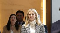 Putri Presiden AS Donald Trump, Ivanka Trump tiba di Bandara Internasional Incheon di Incheon, Korea Selatan, (23/2). (AP Photo/Ahn Young-joon. Pool)