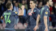 Pemain Napoli merayakan gol yang dicetak ke gawang Wolfsburg dalam leg kedua perempat final European League, Jumat (24/4/2015). (AFP).