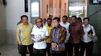 Ketua Umum Golkar Setya Novanto dan Ketua Dewan Pembina Golkar Aburizal Bakrie. (Liputan6.com/Fachrur Rozie)