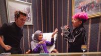6 Momen Aurel Hermansyah 'Sungkem' ke Rumah Gen Halilintar, Tampil Berhijab (sumber: Instagram.com/thariqhalilintar)
