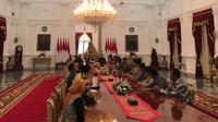 Presiden Joko Widodo atau Jokowi menerima kunjungan pengurus Kamar Dagang dan Industri (KADIN) dan Himpunan Pengusaha Muda Indonesia (HIPMI) di Istana Merdeka Jakarta, Rabu (12/5/2019).