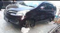Mobil sejuta umat menjadi korban maling ban (ist)