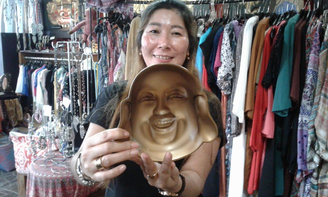 Karya seni patung yang terkesan bisa menoleh di Bali (Liputan6.com / HMB)