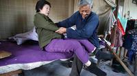 Sheng Bingzhi, pria berusia 72 tahun ini telah menyentuh hati masyarakat, khususnya para pengguna jejaring sosial di Cina.