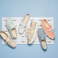 Keds hadir dengan koleksi terbaru untuk membuat perempuan lebih nyaman menggunakan sneakers (Foto: Keds)