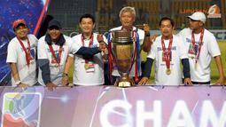 Inilah para pelatih Timnas Indonesia U23 yang berhasil membawa Timnas U23 dalam turnamen mini MNC Cup yang digelar di Stadion GBK Jakarta (Liputan6.com/Helmi Fithriansyah).