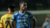 Bek kiri Persib Bandung, Ardi Idrus, mengakui timnya bermain buruk saat kalah dari Bhayangkara FC. (Bola.com/Muhammad Ginanjar)