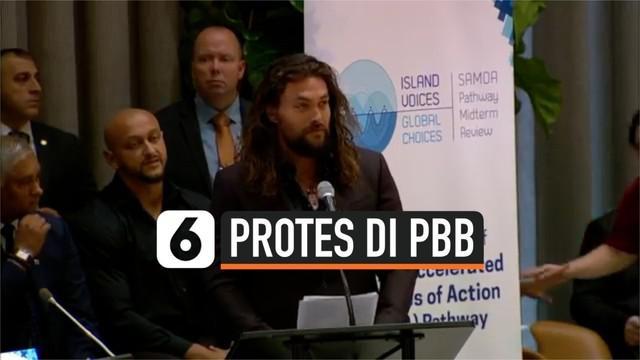 Pemeran film Aquaman, Jason Momoa, ikut menyikapi mengenai perubahan iklim yang terjadi di dunia. Ia menyuarakan protesnya di podium PBB belum lama ini. Menurutnya, perubahan iklim ini merupakan kesalahan semua manusia.