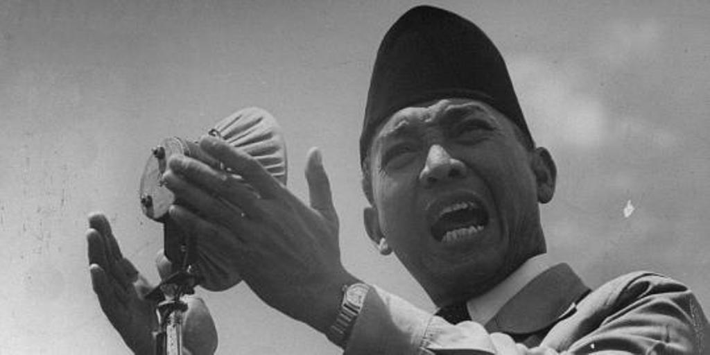 Presiden pertama Indonesia Ir. Soekarno. (via: esabong.my.id)