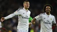 Dua pemain Real Madrid Toni Kroos (kiri) dan Marcelo (kanan). (AFP/Javier Soriano)