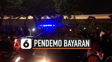 Polda Metro Jaya menahan 649 orang usai demo di depan Gedung DPR/MPR. Polisi mensinyalir pelaku yang tahan adalah massa bayaran.