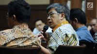 Dirut PT Quadra Solutions Anang Sugiana Sudihardjo memberi keterangan saat sidang lanjutan dugaan korupsi proyek e-KTP dengan terdakwa Setya Novanto di Pengadilan Tipikor, Jakarta, Kamis (22/2). (Liputan6.com/Helmi Fithriansyah)