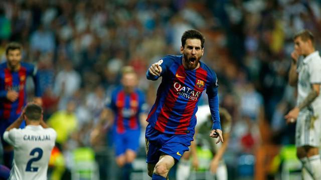 Berita video Lionel Messi membawa Barcelona membungkam Real Madrid di Santiago Bernabeu, Minggu (23/4/2017). Messi mencetak 2 gol dalam pertandingan. Tak hanya gol, pergerakan Messi menyulitkan pemain-pemain Real Madrid.