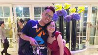 Presenter Uya Kuya bersama anak sulungnya, Cinta Rahmania Putri Khairunnisha, atau lebih dikenal dengan panggilan Cinta Kuya di hotel Gran Mahakam. (instagram/astridkuya)