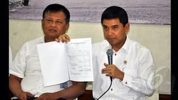 Yuddy Chrisnandi memaparkan capaian kinerja 100 hari pertama Kementerian PANRB di Kantor Kementrian PANRB, Jakarta, Selasa (27/1/2015). (Liputan6.com/Miftahul Hayat)