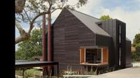 Inspirasi desain rumah berbahan kayu. (Tangkapan Layar YouTube The Local Project)