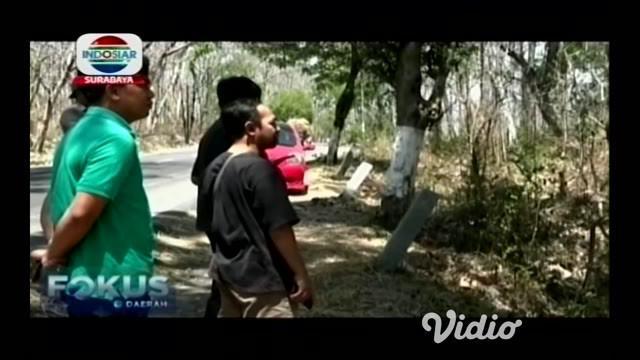 Akibat kemarau panjang 2,1 hektar hutan tanaman jati di Ponorogo,Jawa Timur yang terdapat di pinggir jalan raya terbakar akibat kebakaran tersebut timbul asap yang menggangu pengguna jalan raya