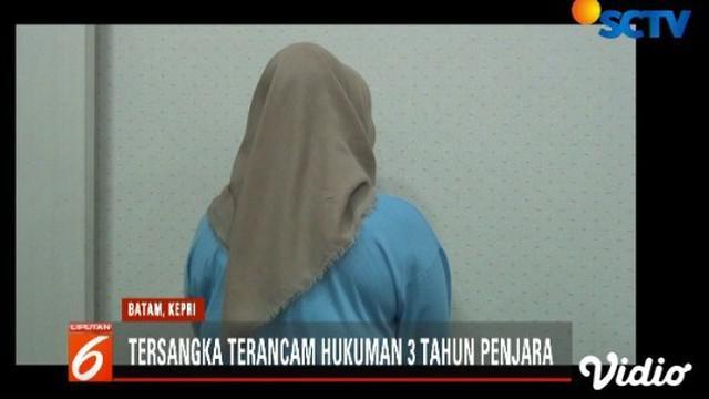 Seorang ibu rumah tangga di Batam, Kepri, terpaksa berurusan dengan polisi karena menyebarkan berita bohong terkait rekapitulasi suara