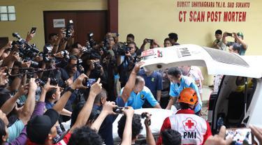 Dua Kantong Jenazah Korban Lion Air Jatuh Tiba di RS Polri