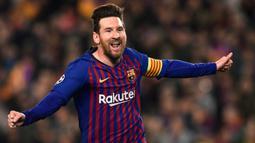 2. Lionel Messi (Argentina) - Sebesar 700 juta euro dengan kontrak hingga 30 Juni 2021. (Photo by Josep LAGO / AFP)