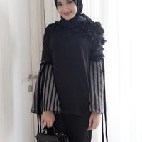 Gaya hijab Zaskia Sungkar yang oke banget untuk kamu tiru. (sumber foto: @zaskiasungkar15/instagram)