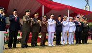 Gubernur DKI Jakarta Anies Baswedan menjadi Inspektur Upacara dalam apel peringatan 73 tahun kemerdekaan Republik Indonesia di Lapangan Banteng. (Merdeka.com)
