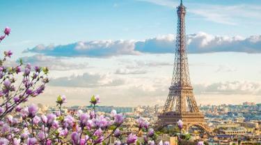 ilustrasi Menara Eiffel, Paris.