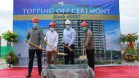 Meikarta melakukan topping off sebagai tanda berakhirnya proses konstruksi pada dua menara di Blok 60007 Distrik 2 kota baru Meikarta, Cikarang, Jawa Barat.