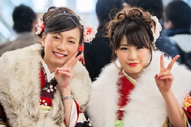 Untuk merayakan Seijin No Hi atau hari  kedewasaan, para perempuan rela habiskan Rp 113 juta untuk kimononya (foto: talk-japan.com)