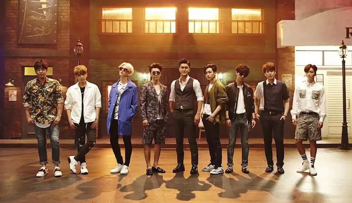 Di antara semua album Super Junior, ternyata Mr Simple yang dirilis 2011 berhasil menjadi album terlaris yang terjual sebanyak 559.233 kopi. (Foto: soompi.com)