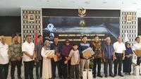 Penyerahan kenaikan pangkat anumerta kepada pegawai Kementerian ESDM yang jadi korban kecelakaan pesawat Lion Air JT-610 PK-LQP  (Foto: Liputan6.com/Pebrianto W)