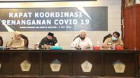 Rapat koordinasi penanganan Corona Covid-19 di Kota Malang. Sejumlah pihak mengkritik buruknya strategi dan transparansi anggaran penanganan Covid-19 di Kota Malang (Humas Pemkot Malang)