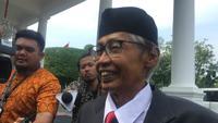 Mantan Hakim Agung Artidjo Alkostar tiba di Istana Kepresidenan, Jumat (20/12/2019). (Lizsa Egeham)