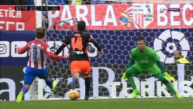 Fernando Torres ikut menyaksikan kemenangan Atletico Madrid atas Valencia secara langsung di Vicente Calderon.