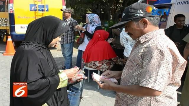 Antusias tukar uang di Solo, Jawa Tengah, meningkat, Bank Indonesia tambah persediaan uang.