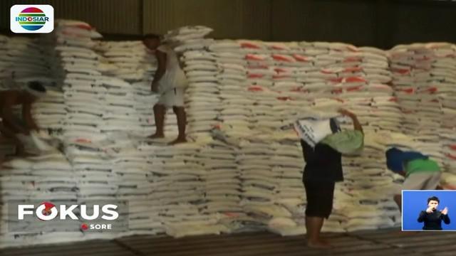 Proses pengiriman beras dilakukan dengan pengawasan kementerian perdagangan dan satgas pangan untuk memastikan seluruh beras terkirim ke gudang bulog.