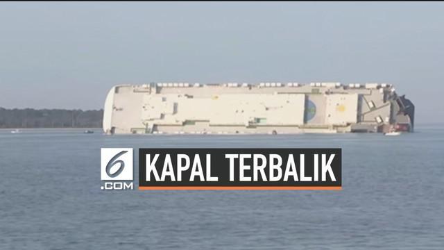 Empat orang belum ditemukan setelah sebuah kapal kargo terbalik di Georgia, Amerika Serikat. Kapal tersebut dilaporkan memiliki 23 orang awak dan 1 nahkoda kapal.